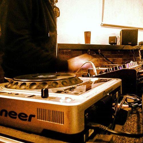 La preparazione per la silent disco continua Club27 Aglioween