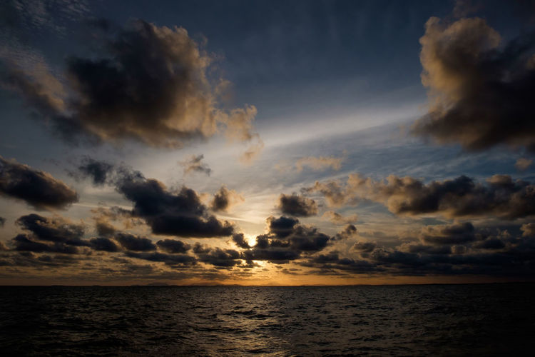 Beauty In Nature Cloud - Sky Dusk Freedom Horizon Horizon Over Water Nature No People Outdoors Scenics - Nature Sea Seascape Sky Sunset Tranquil Scene Tranquility Urban Skyline Water Waterfront