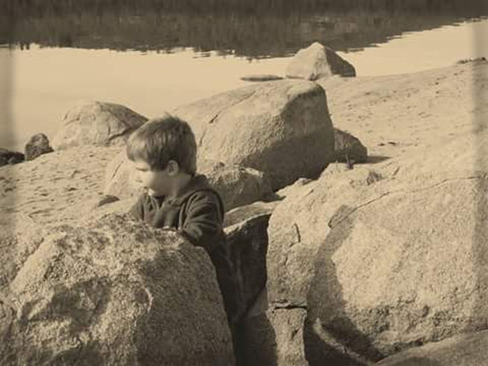 Watching g my son grow up has been an amazing journey for the last 4 years but this year has been very special because he is finding g himself to 😘 Young Child Thoughtful Rocks Lake Wateredge Childhood Children Only One Person Outdoors Playtime Playing Beauty In Ordinary Things My Life My View My Year My View