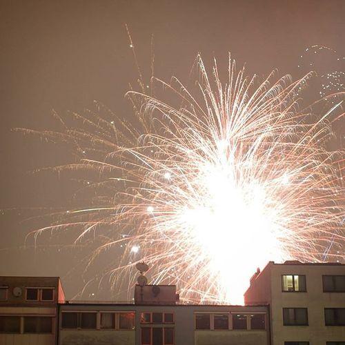Happynewyear Silvester NewYear 2016 Fireworks . People enjoying their time. Visible from my Apartment . Munich München Bavaria Bayern Deutschland Germany . Taken by my Sonyalpha DSLR Dslt A57 . العاب_ناريه احتفال ميونخ بايرن المانيا