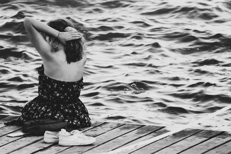 B&w Photography Blackandwhite B&W_collection B&W Portrait Lake Siyahbeyaz Siyah&beyaz  Water Sea Beach Full Length Sand Women Rear View Horizon Over Water Wave Crashing