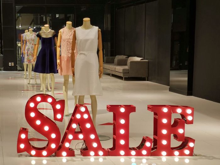 Sale Sale Mall Shopping Mall Decoration Mannequins Model Discount Shop Light Signboard Hallway City Life Clothes Dress Installation Show Display Product Display Coathanger Hanging Celebration Holiday - Event City Display For Sale Shop Retail Display