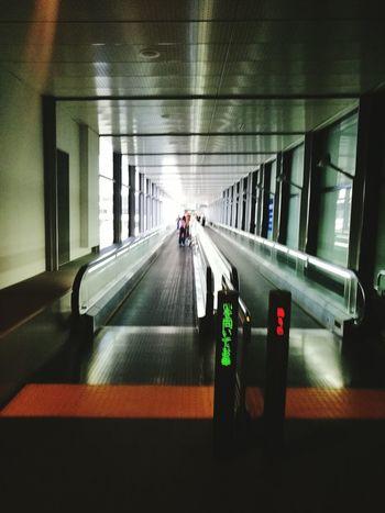 Lightattheendofthetunnel Japanairport Travel