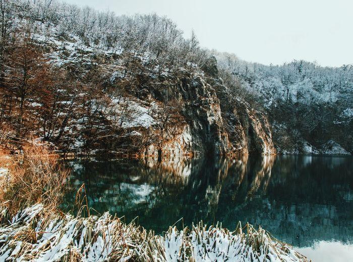 Croatia Beauty In Nature Cold Temperature Lake View Lakeside Nature Nature_collection Nature_perfection Naturelovers Non-urban Scene Plitvice National Park Reflection Reflection_collection Reflections Scenics Snow Tranquil Scene Tranquility Winter