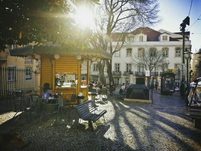 Lieblingsplatz Travel Destinations City Frühling In Der Stadt Lieblingsplatz :* Stadt Kiosk ColourReiseempfehlung Lissabon, Gegenlicht Gegenlichtaufnahme Urlaub Urlaub & Reisen