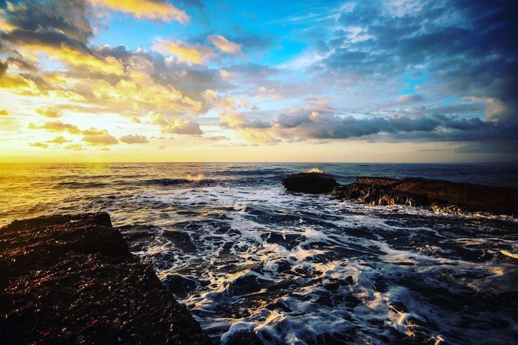 Sea Horizon Over Water Scenics Nature Beauty In Nature Water Sunset Sky Cloud - Sky Wave Tranquil Scene Tranquility Outdoors No People Beach Rock - Object Power In Nature Day