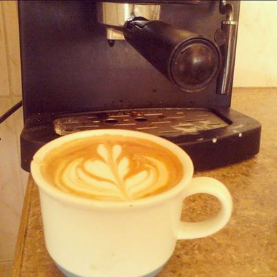 Buenos días, comenzando en armonía como un buen café. Coffeehouse Latte Latteart Coffee Break Coffeebreak
