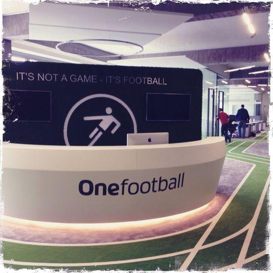 Start-up-Tour in Berlin. Erst OneFootball, gleich EyeEm. Später Researchgate.