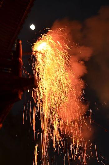 Splashing Fire Omizutori Nigatsu-do Toudaiji Nara,Japan Traditional Event お松明 炎 お水取り 東大寺 二月堂 Travel Destinations From My Point Of View Capture The Moment Travel Photography Night Photography