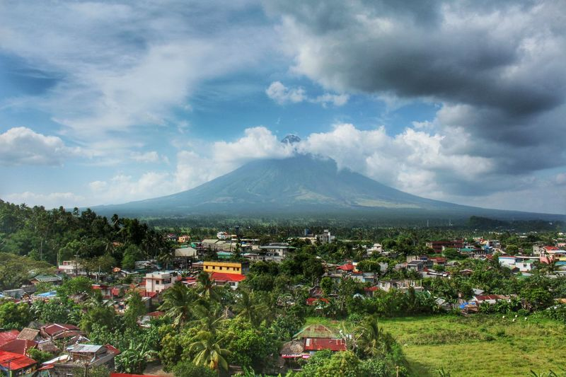 Mountain Cloud - Sky Landscape Nature Tree Sky Beauty In Nature Mayonvolcano Nature Photography Mayon Volcano Mayon Volcano Philippines Albay,Philippines Mayon Nature_collection Outdoors