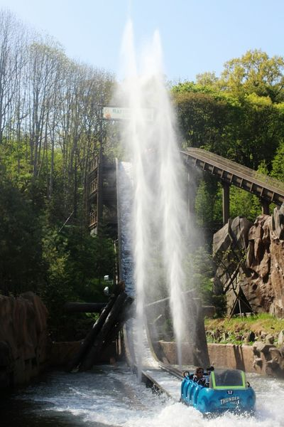 Extream Rides Thrill Exciting Everland Thunderfalls