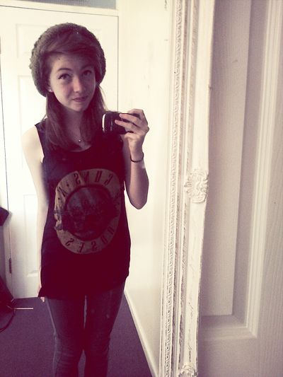 sorry I haven't posted in ages! Im Back :) Selfie Skinny Guns N' Roses