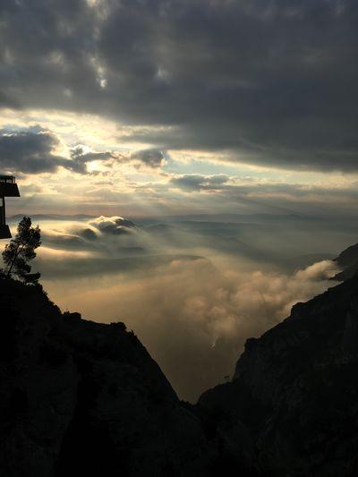 Montserrat Montana Paisaje Montserrat Cloud - Sky Sky Scenics - Nature Beauty In Nature Tranquil Scene Tranquility EyeEmNewHere First Eyeem Photo