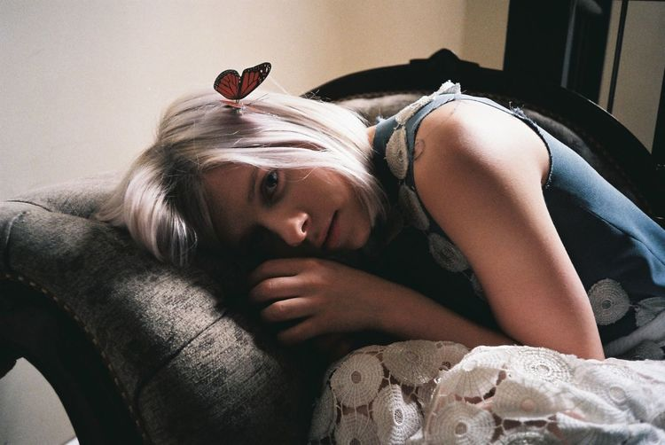 35mm 35mm Film Analogue Photography Aurora Butterfly Close-up Cute Fashion Photography Film Photography Filmisnotdead Light And Shadow Lying Down Model Portrait Relaxation Resting Singer  White Hair