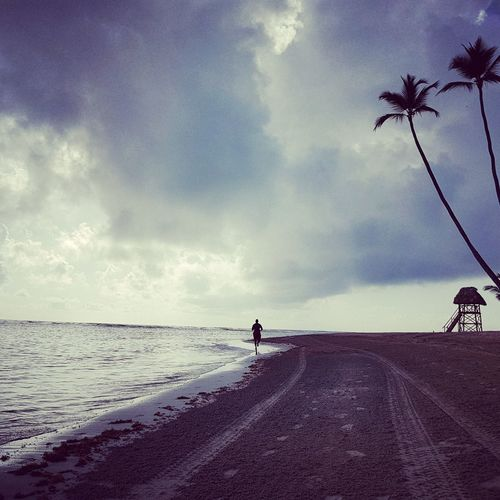 Beach Sand Water Cloud - Sky One Man Only Sea Sky One Person Outdoors Nature Horizon Over Water Run Runing Runing Time Morning View Ash Punta Cana, Dominican Republic Travel Destinations Sports Photography Motivation Fitnessmotivation Fitnesslifestyle