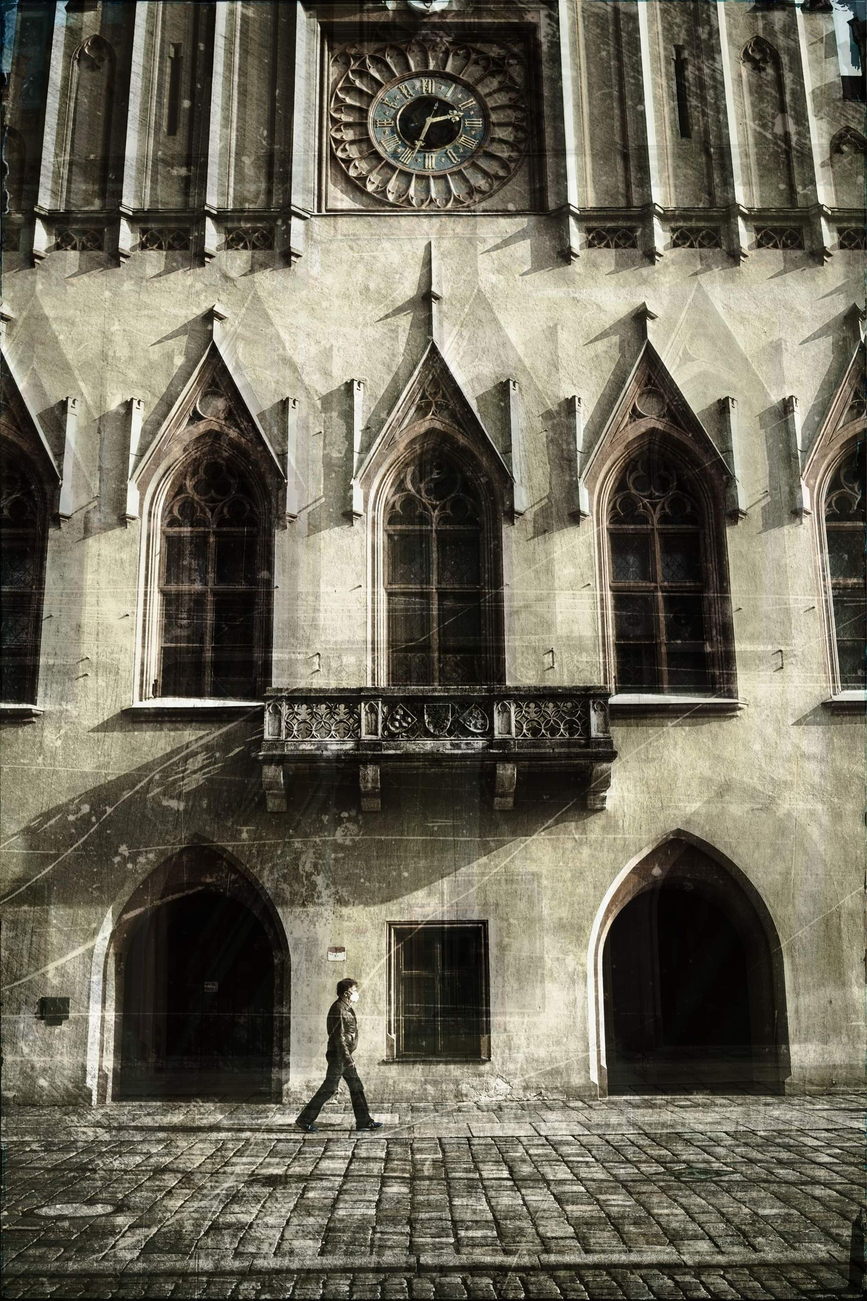 architecture, building exterior, built structure, building, religion, place of worship, arch, belief, history, spirituality, the past, window, city, catholicism, facade, day, travel destinations, ancient history, men, one person, worship, adult, outdoors, old, women, full length