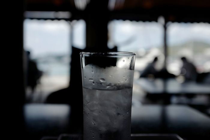 Cooling at restaurant Attic, Dejima Whraf. Nagasaki bayside de Good Night EyeEm Selects Dejima Wharf Nagasaki JAPAN 28mm F/1.7 No Finder Bokeh Photography Focus On Foreground Food And Drink Glass Household Equipment Refreshment Still Life Cold Drink Close-up