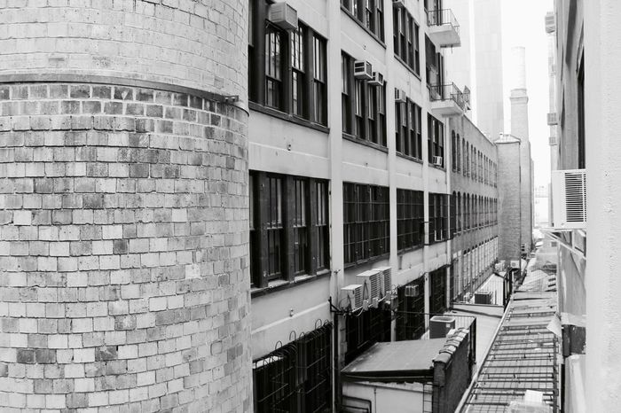 High Line Park Perspective Architecture Black And White Building Exterior Built Structure City Day No People Outdoors Window The Graphic City Adventures In The City The Architect - 2018 EyeEm Awards