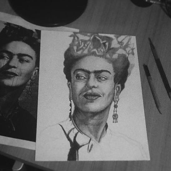 Noches de Trazos🔗... Frida Process Art Artist Inspire Inst Artagram Instagram Photo Artk Drawing2me ArtWork Art_collective Amazingart Dibujo Draw Dibujosalapiz