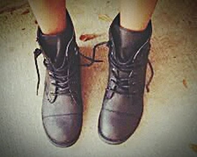 Hipsterstyle Me And Myboots Hipstergirl Hipsterlife Living it off with them hipster boots of mine😍😝😆