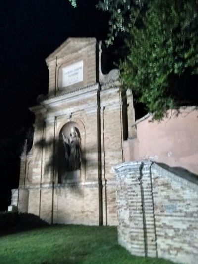 Notturno Tree Architecture No People Outdoors Built Structure Building Exterior Sculpture Statue Church Buildings Tranquility
