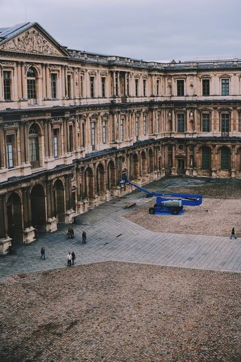 A week in Paris (90) CopyrightPiotrSzuber Paris Louvre Art Gallery Streetlife Architecture ArchiTexture Architectureporn Streetphotography Colors Street Photography Streetphotography Creative Light And Shadow VSCO Vscocam F1