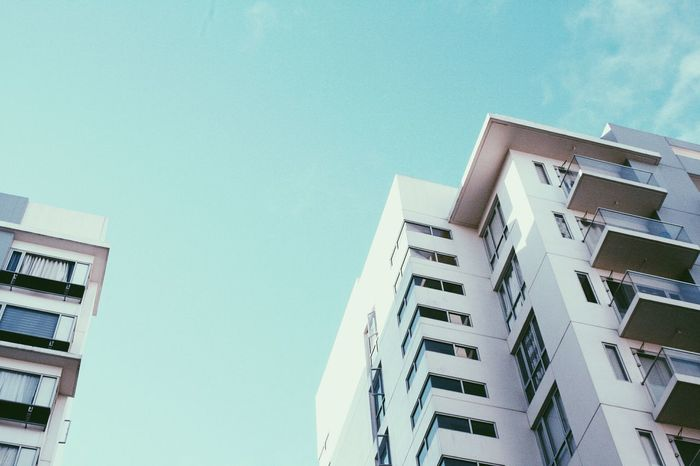 Architecture Building Exterior Built Structure Outdoors Condominium Sky Daylight Photography Sunny Day Canon Eos 1000d EFS 18 - 55mm