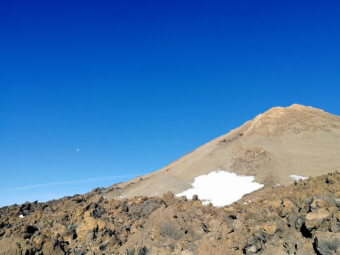 volcano tour Snow Moon Blue Sky Holiday Goals EyeEm Selects Clear Sky Blue Sand Sky Landscape Volcano Geology Volcanic Landscape