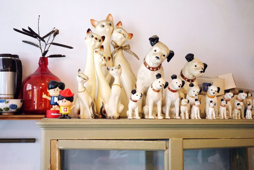 cats and dogs Cat Dog Doll Display Cabinet