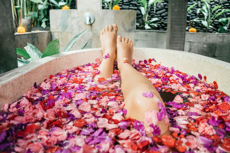 Spa Time Bali Relaxing Relaxing Moments Beauty Care Body Care Body Part Petal Flower Petals Flower Bath Spa Treatment Serenity Hygiene Intimate Feminine  Human Body Part barefoot Relaxation Real People Lifestyles Indulgence Freshness Adult Human Foot Wellbeing