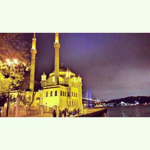 Ortaköy Mosque ( büyük mecidiye cami ) / 1854 Tarihi Ortaköy Cami Besiktas Bosphorus Boğaz Minare Istanbuldayasam Istanbul Turkishgram Turkey