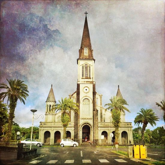 Eglise de Curepipe soleil levant Scenery AMPt_community IPhoneography Mauritius Streetphotography Travel Photography NEM Painterly Architecture