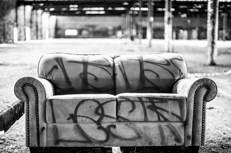 Bradmll YarravilleFactory First Eyeem Photo Couch Graffiti Graffiti Art Graf Graffitiart Graffporn Black & White Black And White Blackandwhite Blackandwhitephotography Black&white