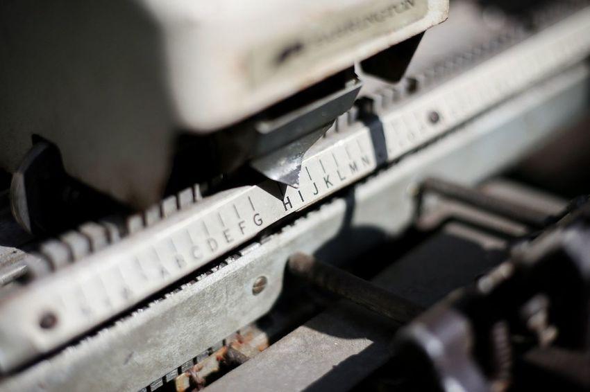 Analog Typewriter Retro Nostalgic  Dayoff Selective Focus Technology Close-up No People Keyboard Old-fashioned