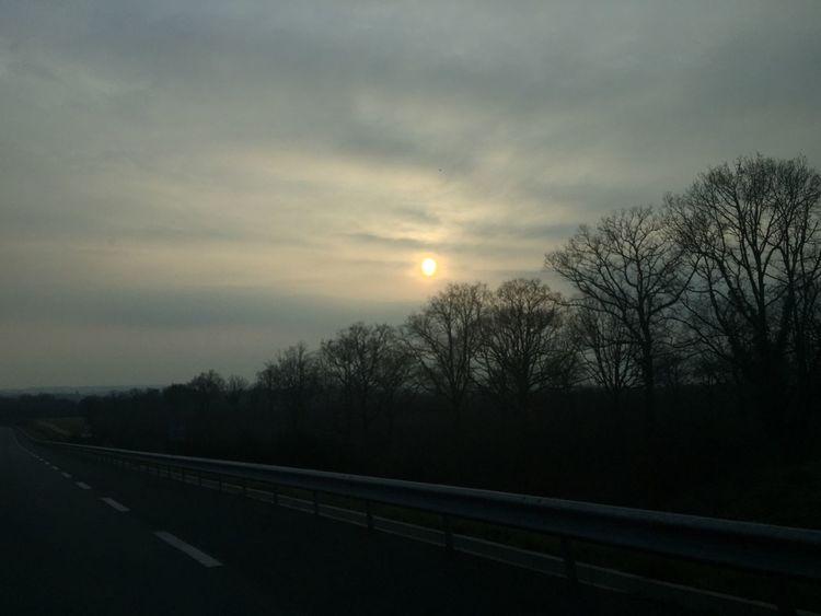 Coucher de Soleil Soleil Sur La Route On The Road CIELFIE Ciel Skyfie Sky Sun Sunset Soleil Couchant Coucher De Soleil