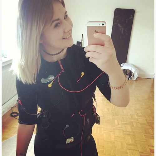Work ♥️ Ems Training 🏋 i am in love ♥️ Smart Phone Mobile Phone Selfie Job Fitness Fit Body & Fitness Fitness Training Sports EMS Trainer Happy Healthy Lifestyle ILoveMyJob