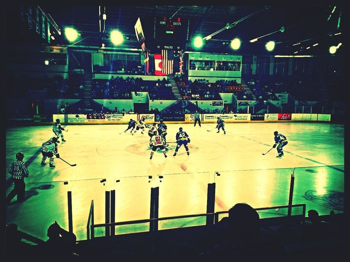 Ice Hocky, Coventry vs Cardiff, turned into a blood bath after 5 minutes Ice Hockey