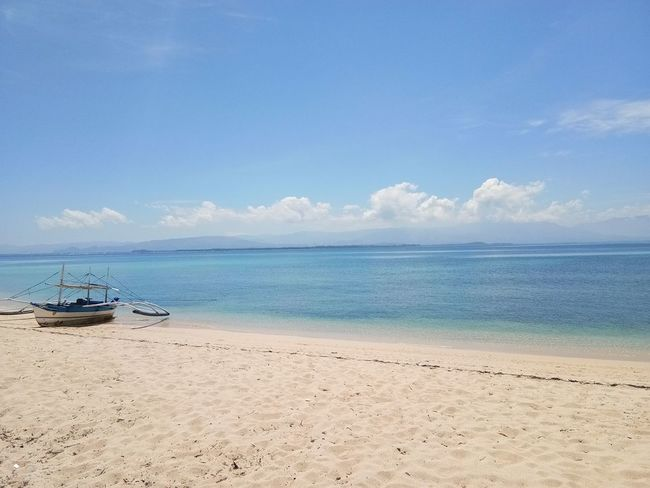 Perfectview Travel Beauty Coupleinanisland Morefuninthephilippines Paradiseisland Perfectweather Sunsandwaves Vacation Zambales, Philippines EyeEmNewHere