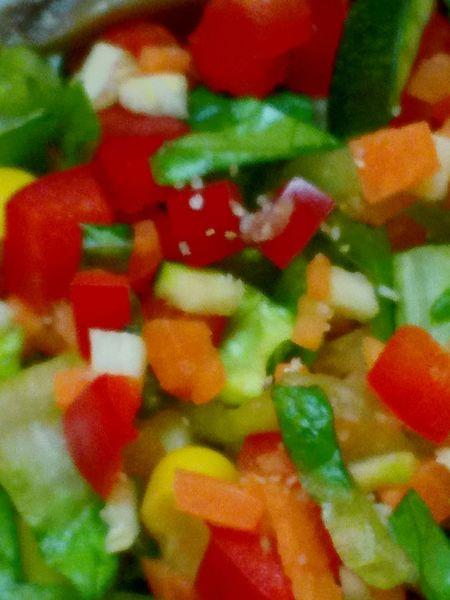 lizards fresh vegan food :-) Lizard Eating Food Healthy Eating Mixed Salad Mais Paprika Zuchini Karotten Eye Em EyeEmNewHere Vegetable Red Freshness Indoors  Close-up Full Frame