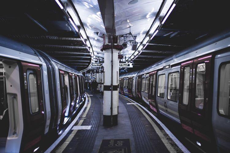 London Underground Underground Station  Train Travel