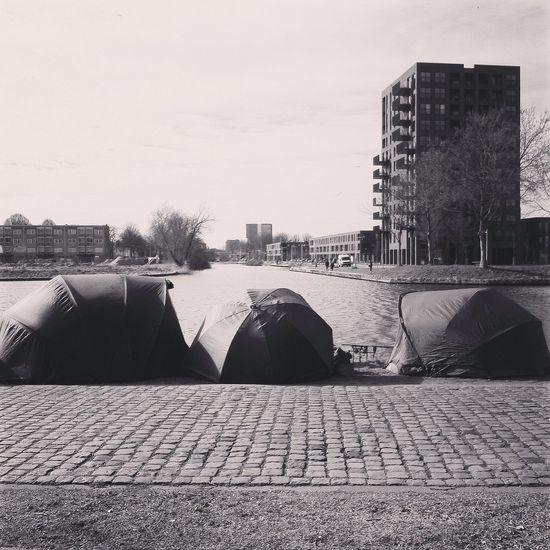 #Ditistilburg #Piushaven #PiushavenLeeft zoals elke goede fotograaf die zijn camera vergeten is. Heb ik deze mooie foto gemaakt met mijn #iPhone fotograaf: Freddie de Roeck. voor Foto-blog website www.Mijnpiushaven.NL Tilburg