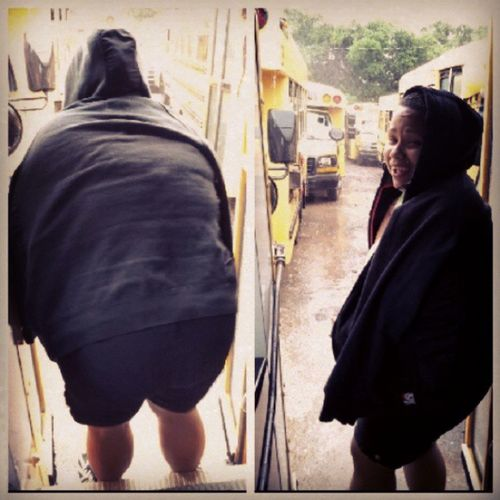 This beetch scared of some rain! Lmfao Okolemaluna JACKASS Sugarmelts beetch busslaughing @sieraanking