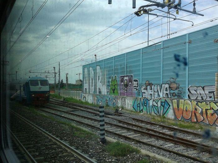 Murales Trains Travel