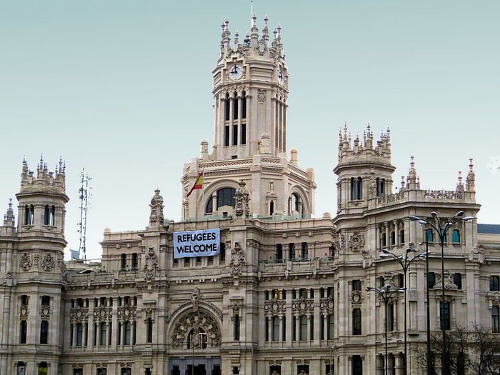 LOW ANGLE VIEW OF PLAZA DE CIBELES