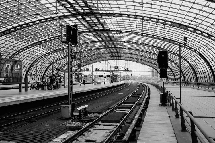 Architecture Built Structure City Life Diminishing Perspective Gleise Public Transportation Rail Transportation Railroad Station Railroad Station Platform Railroad Track Railway Track S-bahn Schienen Subway Station The Way Forward Transportation Building - Type Of Building