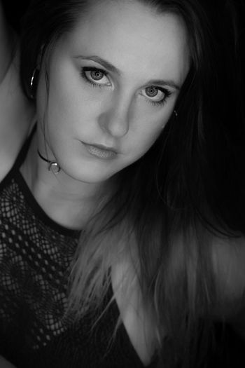 Me Bllack And White Photography Black And White Portrait Headshot
