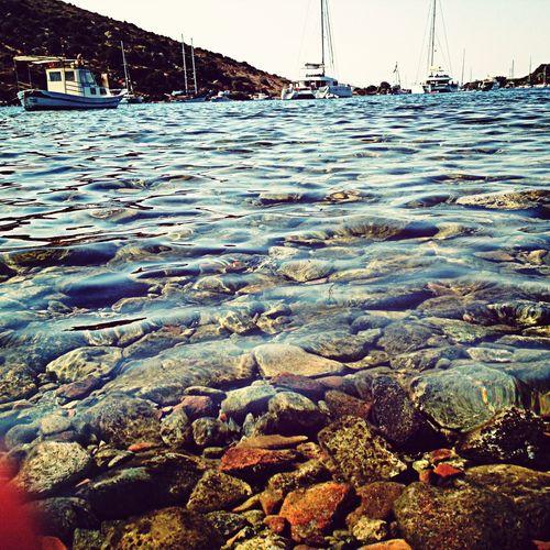 Bu dünyada; Kalbini ateşe , Aklını suya , Bedenini toprağa , Ruhunu Allah'a vereceksin . Enjoying The Sea Huzur çoközledim
