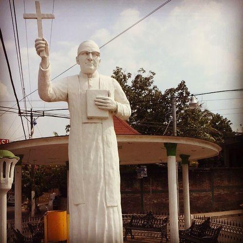 Plaza Óscar Arnulfo Romero Jucuapa Usulutan Misviajes MonseñorRomero SanRomero