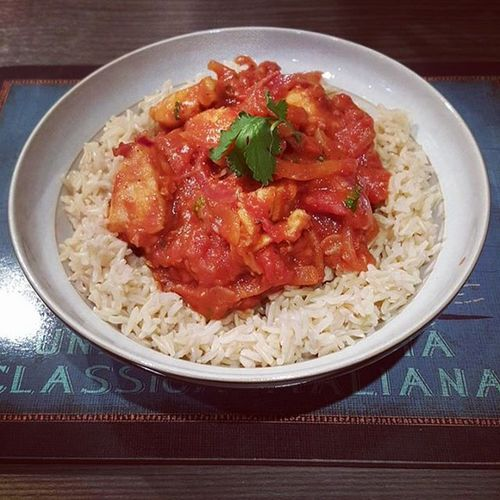 Lloyd's Tandoori Take-Down with Brown Rice just forgot to add the Crème Fraîche ops! Yummy Homemade Healthychoices Smellsamazing Healthy Homecooking Tandoori Chicken Glutenfree Spicy Delicious TandooriChicken