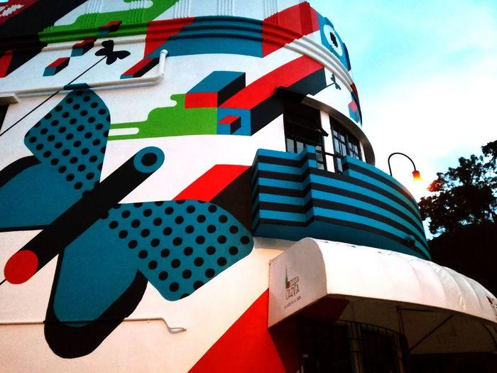 El arte en San José Architecture No People Modern Outdoors Sky City Building Exterior Art Artist Artistic Photo Art Wall Mural Mural Art Muralart Mural Painting Murales Muralesart Murales Urbanos San Jose San Jose, Costa Rica San Jose Costa Rica San Jose De Costa Rica Fia Follow4follow Like4like